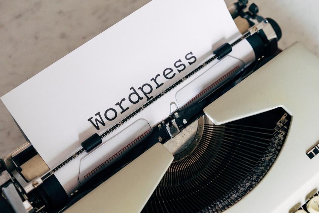 Wordpress skrevet på ark i skrivemaskin